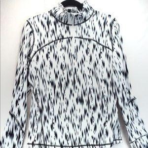 NWOT gap fit black white pullover thumb ho…